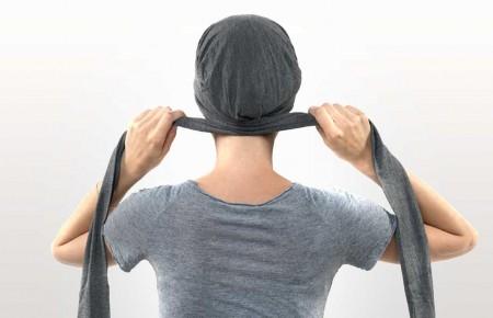 2) Croiser les pans à l'arrière